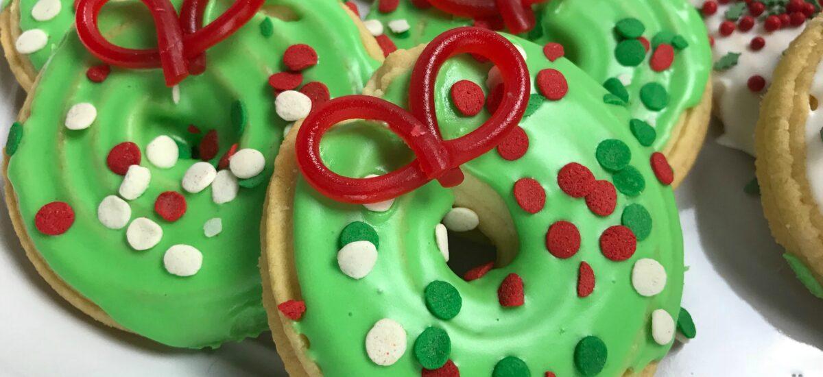 Easy Wreath Cookies; 12 Days of Cookies